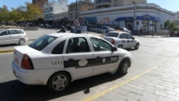 Aumentarán taxis y remises